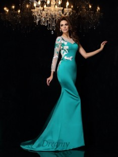 Trumpet/Mermaid Scoop Court Train Satin Dress