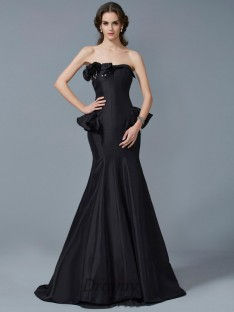 Trumpet/Mermaid Strapless Sweep/Brush Train Taffeta Dress