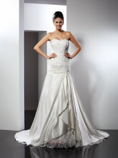 Trumpet/Mermaid Sweetheart Chapel Train Satin Wedding Dress