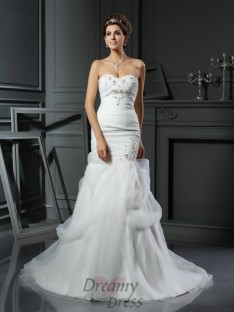 Trumpet/Mermaid Sweetheart Net Chapel Train Wedding Dress
