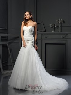 Trumpet/Mermaid Sweetheart Tulle Chapel Train Wedding Dress